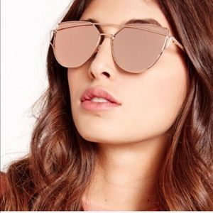 Accessories - Rose gold oversized cat eye sunnies